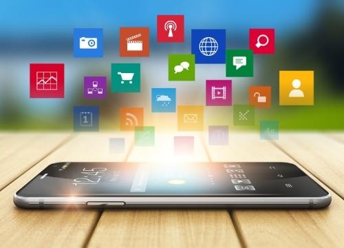 Développer son activité par les réseaux sociaux (initiation) Communiquer et se rendre sur le web.
