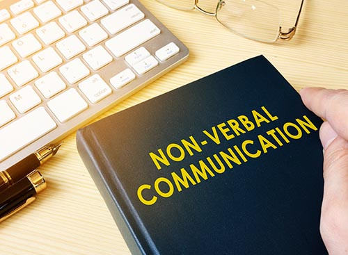 Le langage non verbal : un outil puissant pour son activité